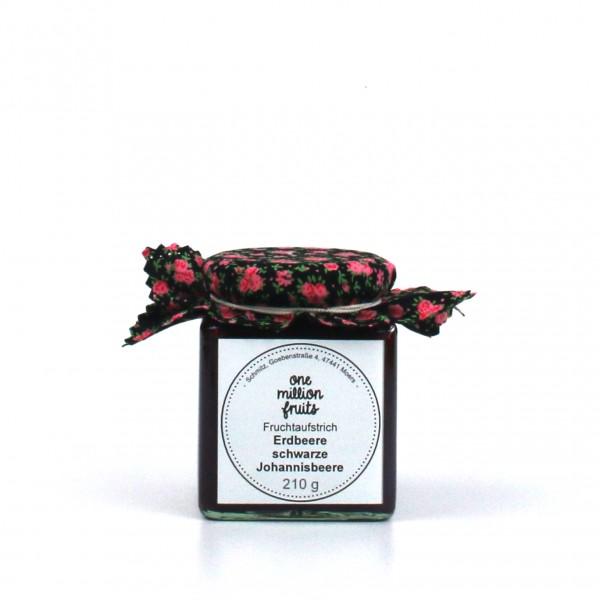 Erdbeer schwarze Johannisbeer Fruchtaufstrich