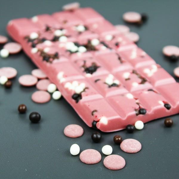Ruby Schokolade mit Knusperperlen