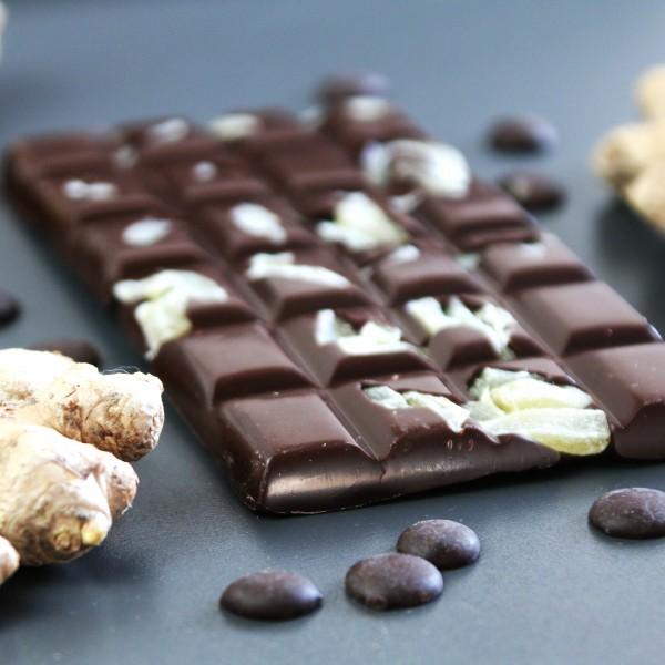 Zartbitter Schokolade mit karamellisierten Ingwerstäbchen