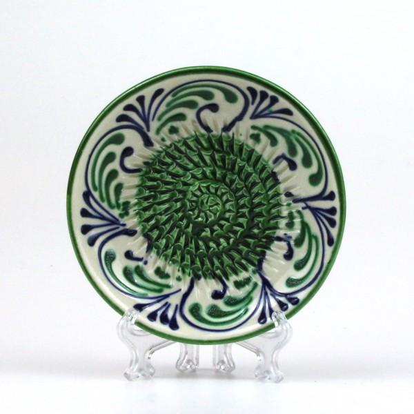 Keramik Reibe in grün - blau auf weiß