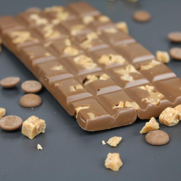 Vollmilchschokolade mit gesalzenen Sahne Karamellbrocken