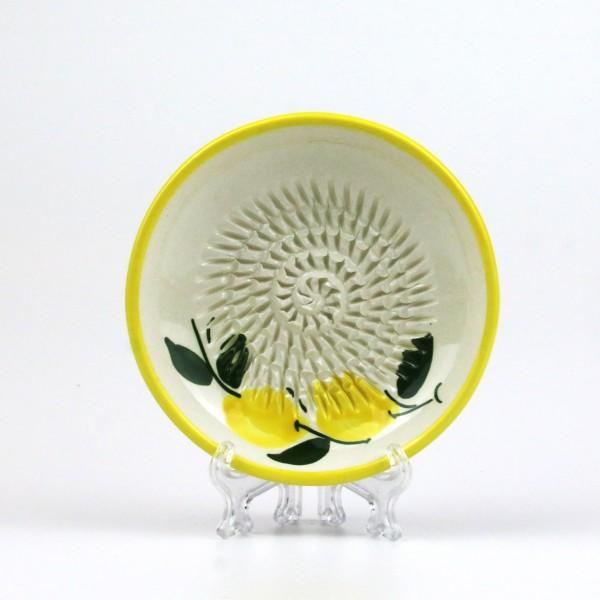 Keramik Reibe mit kleinen Zitronen