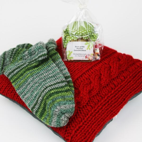 Kuschelset rot / grün - Kissen & Socken & Gemütlichkeit